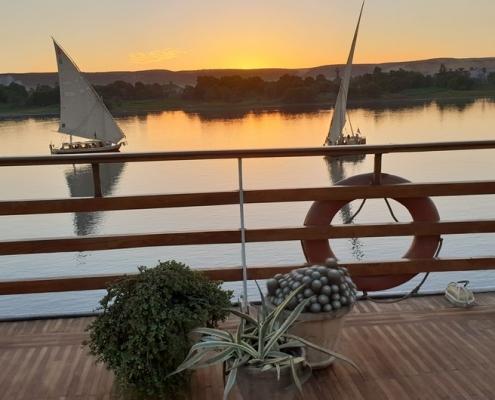 Luxus Nilkreuzfahrt Sonnenuntergang