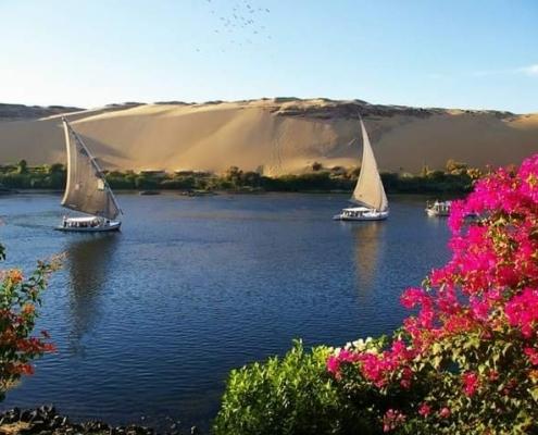 Segel Nilkreuzfahrt Dahabeya Queen Farida und Mövenpick Resort Assuan